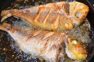 Rán cá muốn giòn thơm, không nát, thịt mềm ngon thì hãy ghi nhớ 3 bí quyết