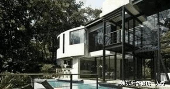 Đến thăm biệt thự xa hoa của 'Hoa đán' Từ Tịnh Lôi, giàu có như vậy nhưng 45 tuổi vẫn chưa chịu kết hôn