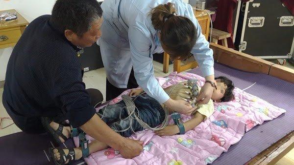 Bé trai 3 tuổi bị đột quỵ: Bác sĩ cảnh báo 10 thói quen của người Việt gây đột quỵ bất cứ lúc nào